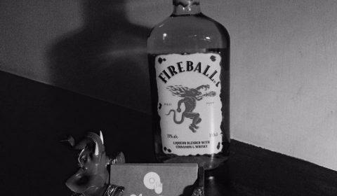 シナモンフレーバーのウイスキー・FIREBALL(ファイアーボール)